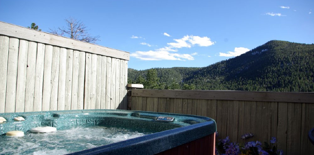 Suite With Private Hot Tub Travelthc
